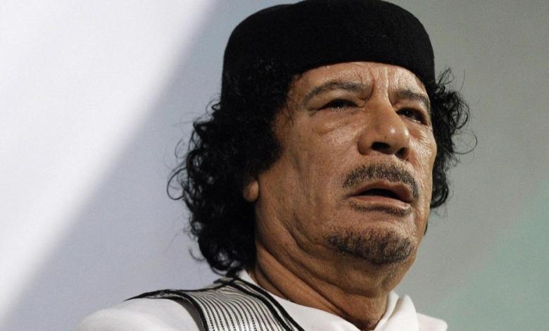 """صورة في ذكرى مقتله.. القذافي حاضر بـ""""تركته الثقيلة"""" في ليبيا"""