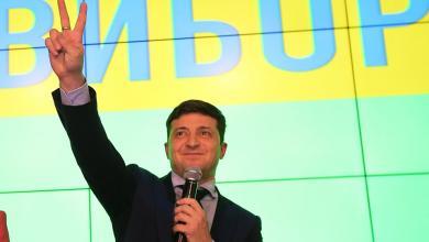 Photo of ممثل كوميدي يقترب من رئاسة أوكرانيا