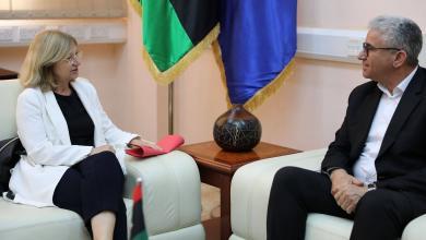 فتحي باشاغا و السفيرة الفرنسية لدى ليبيا بياتريس لوفرابير دوهيلين - طرابلس