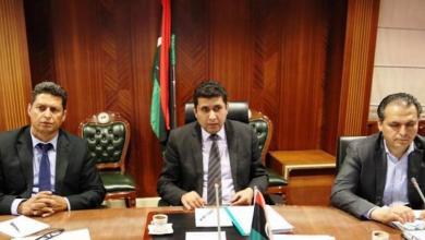 "Photo of ""مالية الوفاق"" تُشكّل لجنة لتسوية الديون مع ""الضمان"""