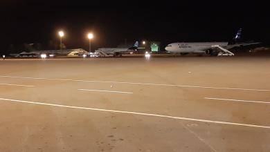 Photo of سقوط قذيفة بمطار معيتيقة وتعليق الملاحة