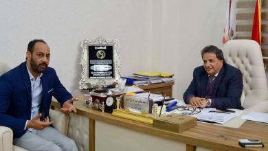 وزير صحة المؤقتة سعد عقوب مع عضو مجلس النواب إدريس المغربي