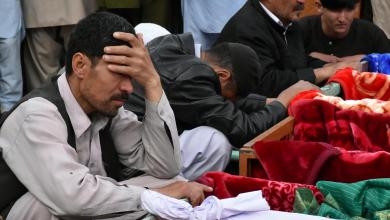Photo of عشرات القتلى بتفجير انتحاري بسوق شعبي بباكستان