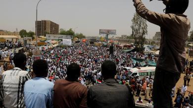 Photo of السودان.. الحراك الشعبي يجني ثمار إصراره