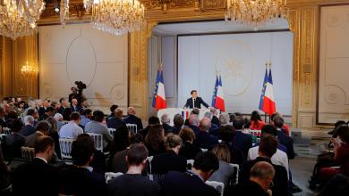 Photo of ماكرون: الإسلام السياسي يهدد الجمهورية الفرنسية