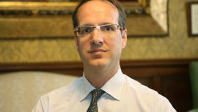 Photo of تعرّف على السفير البريطاني الجديد لدى ليبيا
