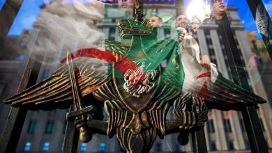 وزارة الدفاع الروسية واحتفالات الشارع الجزائري باستقالة الرئيس الجزائري عبدالعزيز بوتفليقة