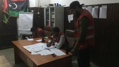 الهلال الأحمر طرابلس يُخلي 45 عائلة من منطقة الخلة