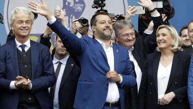 من اليسار: خيرت فيلدرز، هولندا و ماتيو سالفيني، إيطاليا ومارين لوبان، فرنسا. خلال مشاركتهم في اجتماع اليمينيين المتطرفين في ميلانو، إيطاليا في 18 مايو 2019