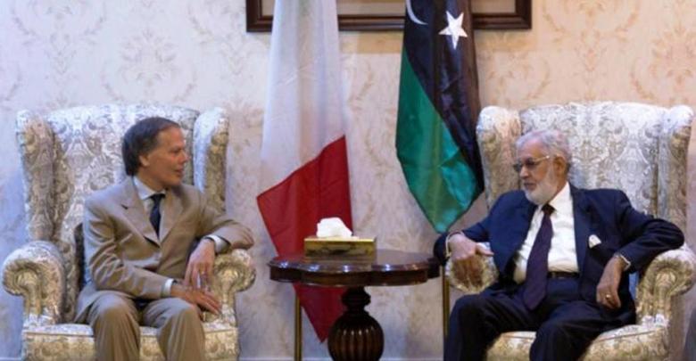 محمد الطاهر سيالة ووزير الخارجية الإيطالي إينزو موافيرو ميلانيزي