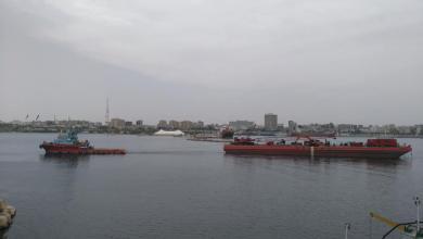 """Photo of قرب الانتهاء من قص سفينة """"أتلنتك بيش"""" الجانحة"""