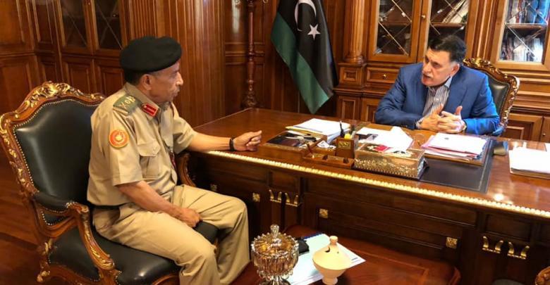 فائز السراج مع رئيس الأركان العامة التابع لحكومة الوفاق محمد الشريف