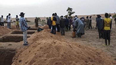 Photo of مقتل 96 شخصا في مذبحة مروعة بمالي