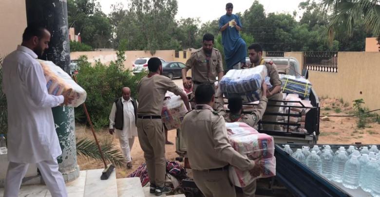 """قافلة إغاثة يسيرها أهل صرمان """"قبيلة القرارضة"""" إلى مدينة غات"""