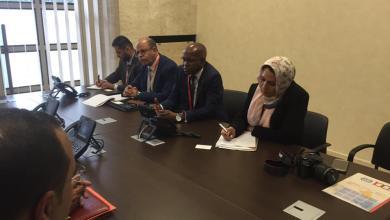 صورة وزير العمل يلتقي نظيره الجزائري في جنيف