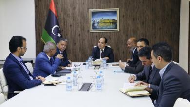 اجتماع النائب بالمجلس الرئاسي أحمد معيتيق مع وزارات الصحة والمواصلات والحكم المحلي والمالية