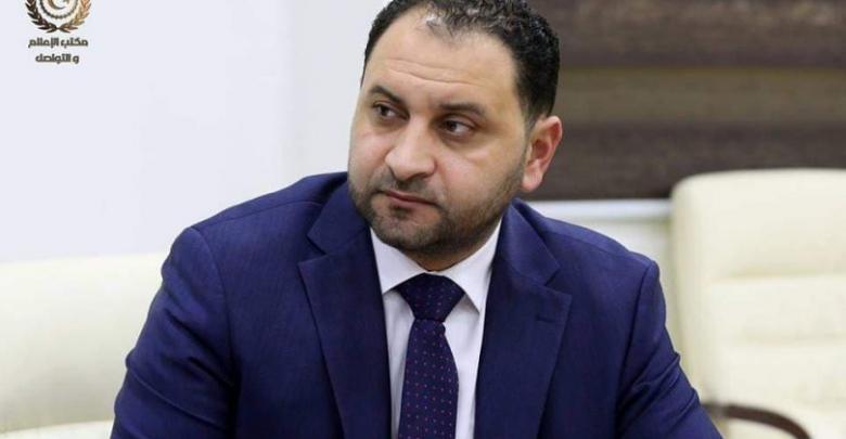 الناطق الرسمي باسم الحكومة المؤقتة حاتم العريبي