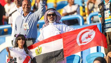 Photo of بالصور.. الجماهير العربية في مصر ترسم لوحة راقية