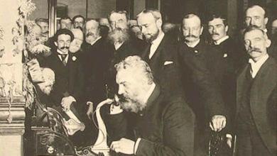 """صورة قصة """"مخترع"""" أول """"هاتف"""" في العالم"""