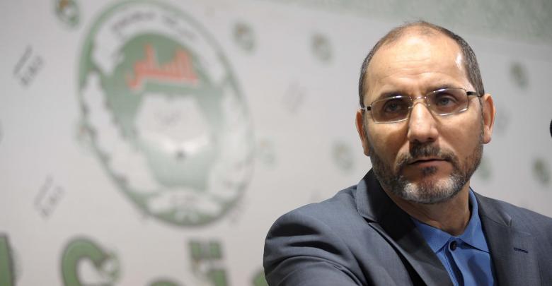 """رئيس حركة """"مجتمع السلم"""" الإخوانية عبد الرزاق مقري"""