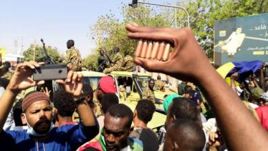 Photo of السودان.. تصعيد جديد بين المجلس العسكري والمعارضة