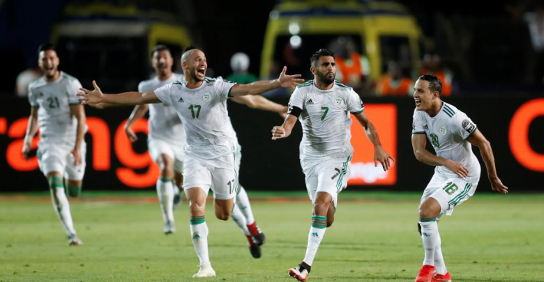 Photo of محرز يطير بالجزائر إلى نهائي الكان