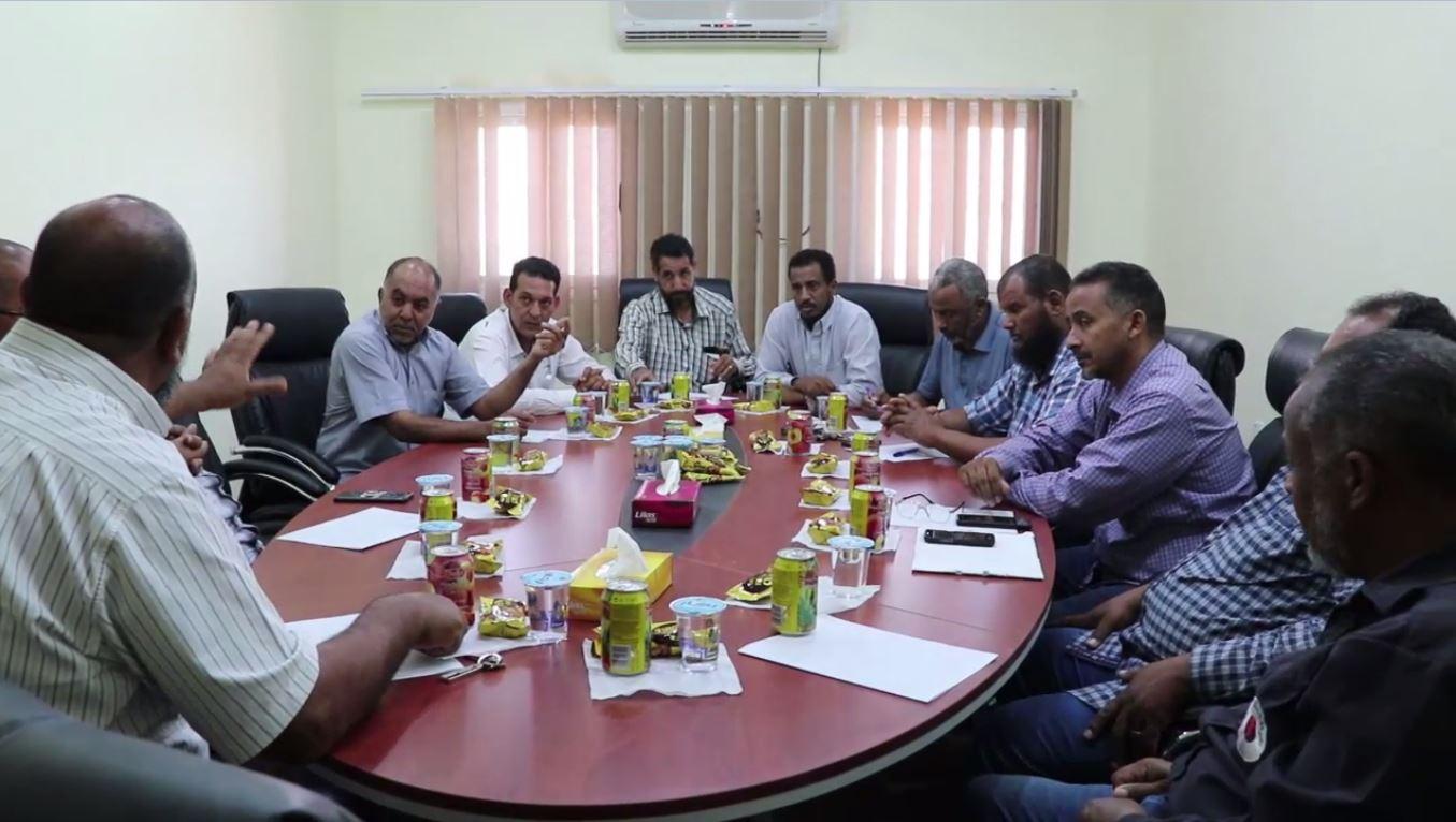 اجتماع في جالو نحو حل لمشكلة الكهرباء على مستوى بلديات منطقة الواحات