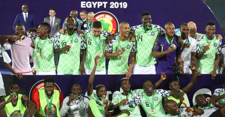 صورة نسور نيجيريا تخطف المركز الثالث في الكان