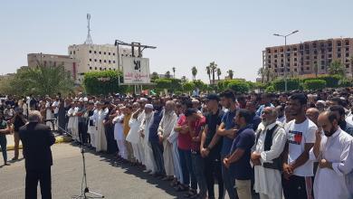 Photo of بالصور.. تشييع جثامين أطباء المستشفى الميداني