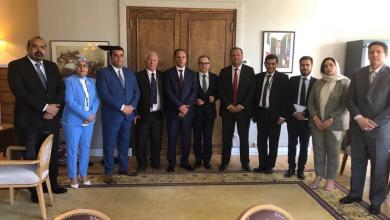 وفد البرلمان يلتقي مسؤول فرنسي ويبحث معه الأوضاع في ليبيا