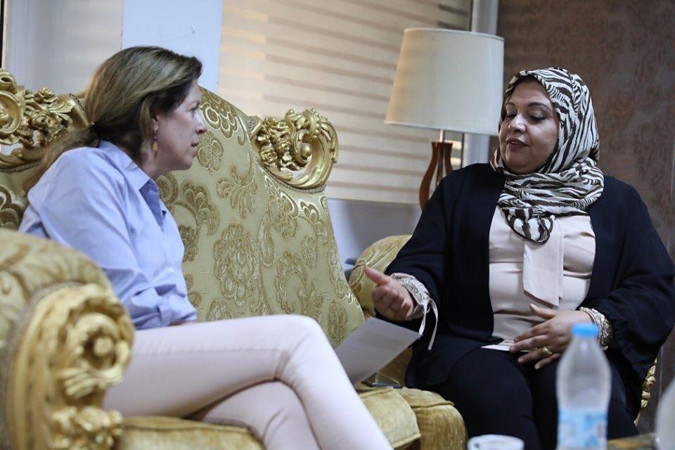 اجتماع المتحدثة باسم مبادرة إنقاذ ليبيا النسوية أمينة الحاسية مع نائبة الممثل الخاص للشؤون السياسية ستيفاني وليامز
