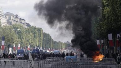 """Photo of """"السترات السوداء"""" يقتحمون """"البانتيون"""" وسط باريس"""