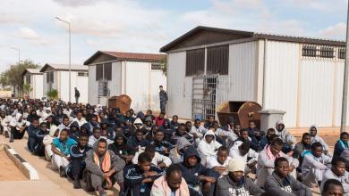 """صورة برلماني إيطالي يصف مراكز الإيواء في ليبيا بـ""""معسكرات اعتقال"""""""