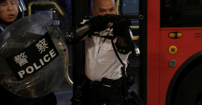 شرطة هونغ كونغ تجابه الحشود بعتاد أميركي وذخائر - صورة أرشيفية