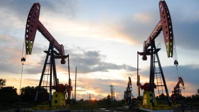 Photo of أسعار النفط تتراجع متأثرة بالمخزون الأمريكي