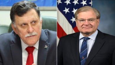 سفير الولايات المتحدة الأميركية في ليبيا رتشارد نورلاند ورئيس المجلس الرئاسي فائز السراج