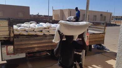 "Photo of ""اقتصاد المؤقتة"" تُرسل شحنة أغذية لنازحي مرزق"
