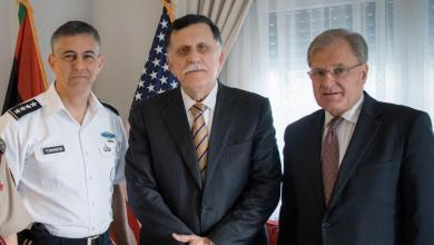 Photo of أميركا تؤكد مكافحة الإرهاب في ليبيا وحل النزاع