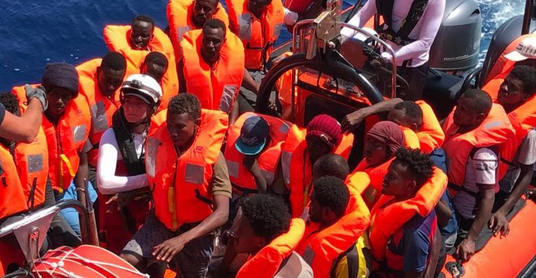 الوفاق تعلن موافقتها على إنزال أكثر من 200 مهاجر في طرابلس