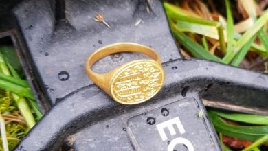 Photo of بريطانية تعثر على خاتم عمره أكثر من 300 عام