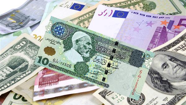 ارتفاع طفيف للعملات الأجنبية بالسوق السوداء للعملة في طرابلس وزليتن