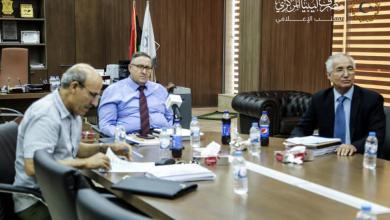 المركزي-بنغازي يناقش تطوير القطاع المصرفي