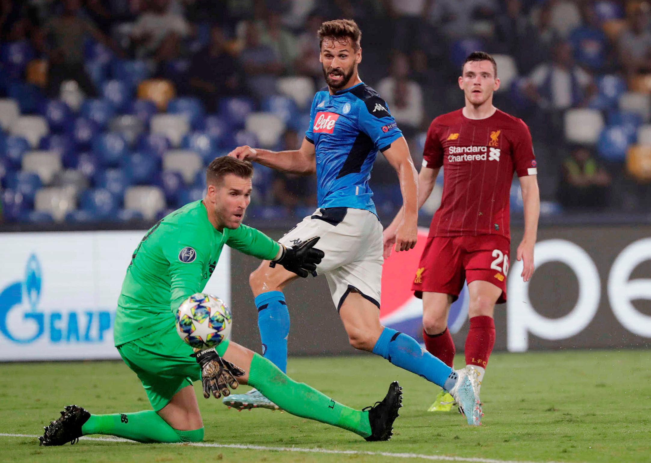 ليفربول يتعثر أمام نابولي في أبطال أوروبا
