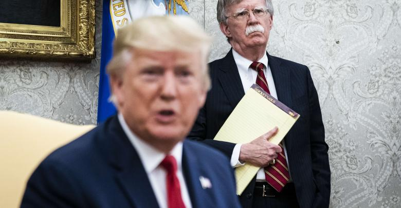 الرئيس الأميركي دونالد ترامب مستشار الأمن القومي للبيت الأبيض جون بولتون