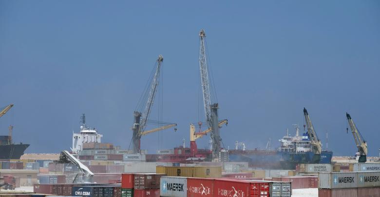 Photo of وصول عدد من السفن التجارية لميناء بنغازي