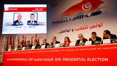 """صورة """"جان جاك روسو"""" و""""نيلسون مانديلا"""" أيّهما رئيسا لتونس ؟"""