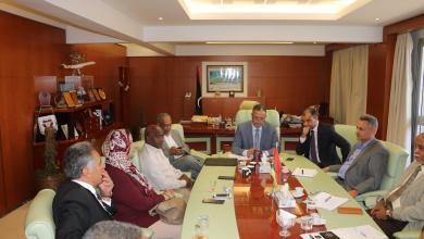 "Photo of ""المواصلات"" ترمي الكرة بملعب الرئاسي بشأن ""معيتيقة"""