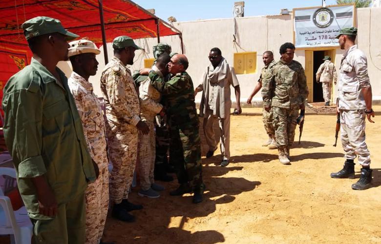 آمر المنطقة العسكرية الكفرة يتفقد واحة ربيانة