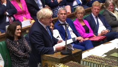 Photo of الحكومة البريطانية تناقش حظر بيع الأسلحة لتركيا