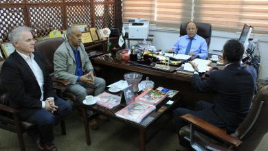 """Photo of """"الخليج"""" تبحث دخول الشركة الإنجليزية لسوق النفط الليبي"""